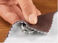 Чистка серебряного кольца