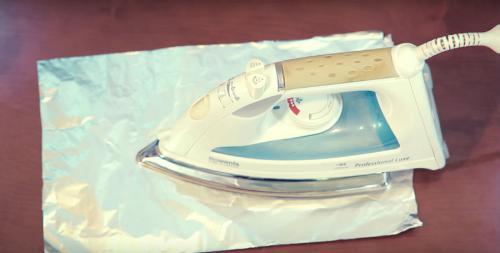 Чем и как очистить утюг от пригоревшей ткани в домашних условиях