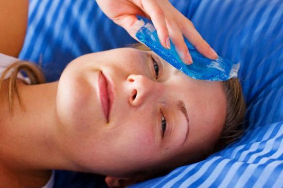 Лечение синяка на лице