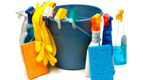 Средства и инструменты для мытья окон