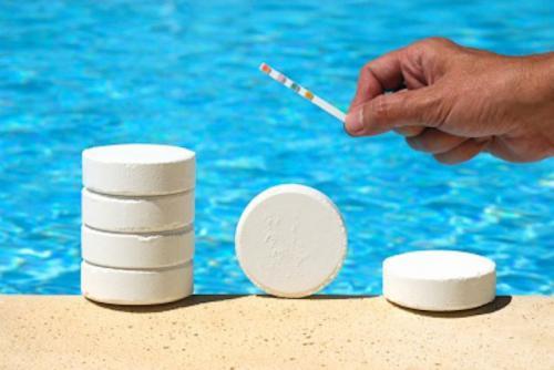 Химические средства для очистки бассейна