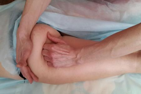 массаж кулаком